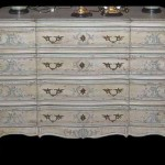 Commode peinte Louis XV – France