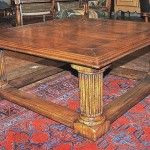Table basse en noyer – France 1880